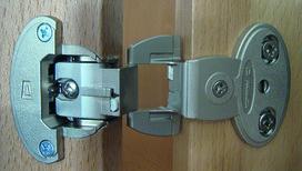 Einachs-Topfbänder PRÄMETA SERIE 2600 CLIP, Türauflage 6.5 mm, Eckband, Rolle mittig